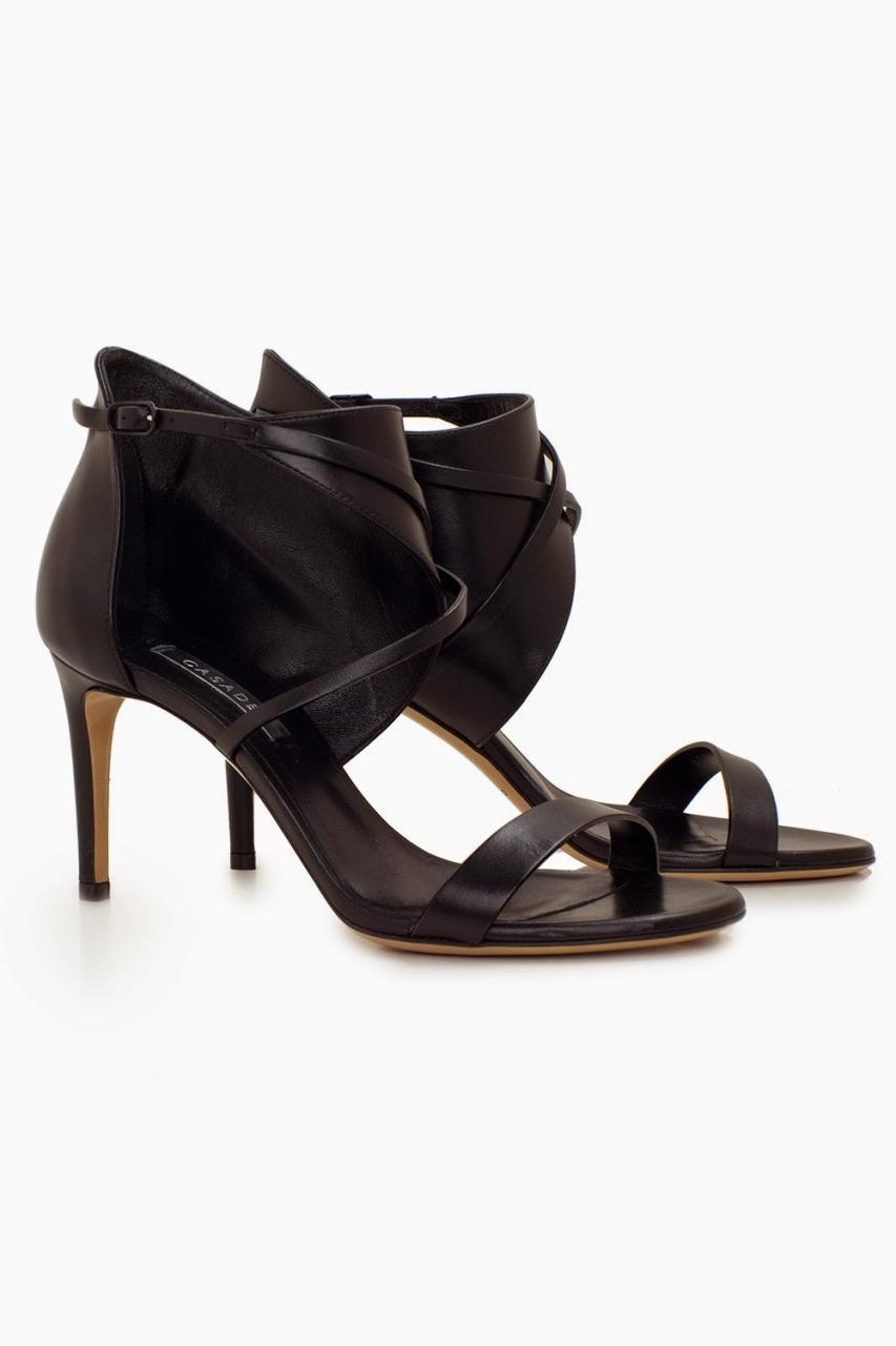 http://www.laprendo.com/ProductDetails.html?item=33132&utm_source=Blog&utm_medium=Website&utm_content=Casadei+Shoes&utm_campaign=27+Apr+2015