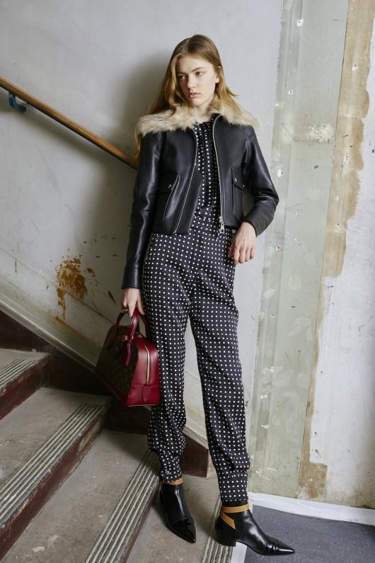 Louis-Vuitton-Pre-Fall-2015-Bag-Campaign-10