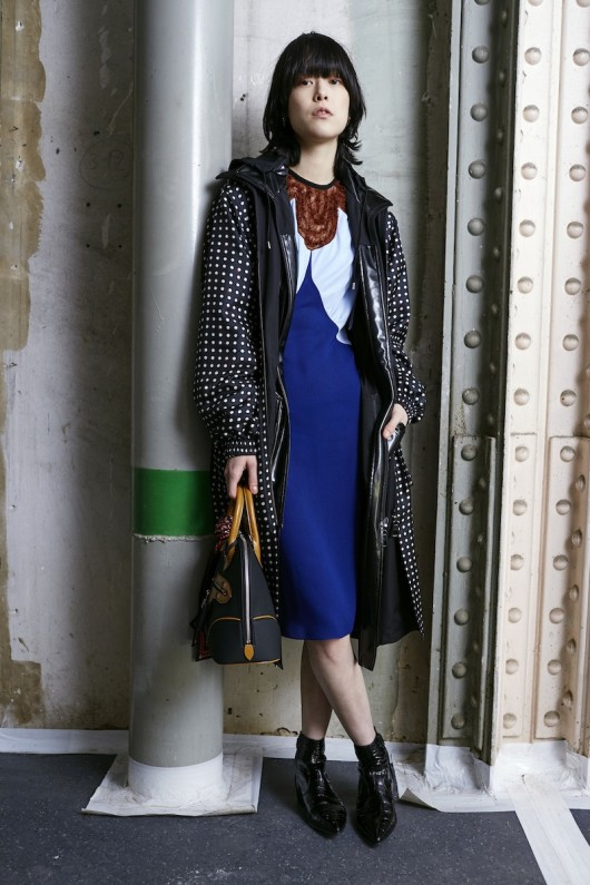 Louis-Vuitton-Pre-Fall-2015-Bag-Campaign-2