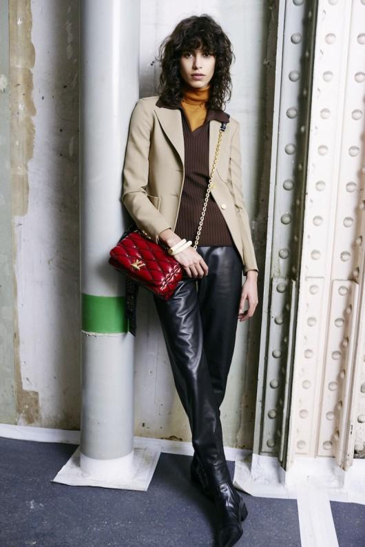 Louis-Vuitton-Pre-Fall-2015-Bag-Campaign-8