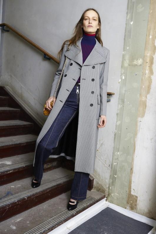 Louis-Vuitton-Pre-Fall-2015-Bag-Campaign-9
